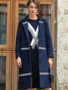 璞秀女装藏青色大衣
