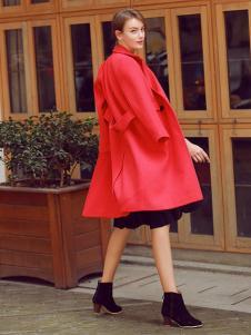 璞秀女装红色风衣外套