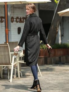 璞秀女装黑色收腰大衣