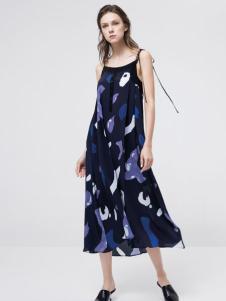 KENNY扣扣17夏新款印花吊带裙