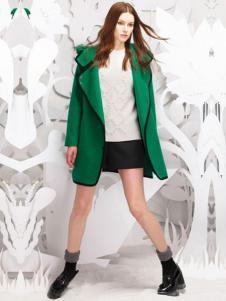 佩吉女装绿色大衣