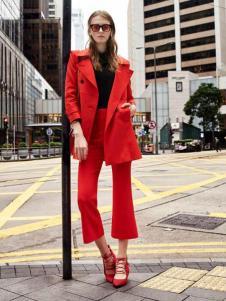 千细女装红色套装