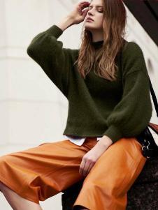 千细女装墨绿色针织衫