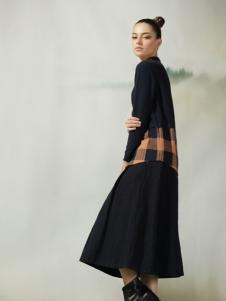 约布黑色收腰连衣裙
