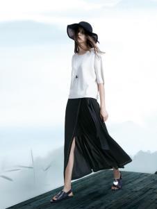 意澳白色时尚上衣