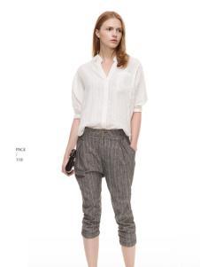 主提白色时尚衬衫