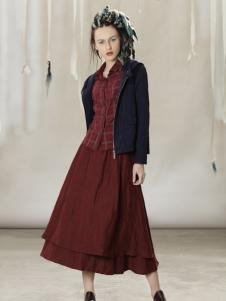 约布长款酒红连衣裙