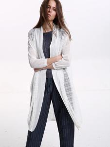 意澳白色薄纱长款外套