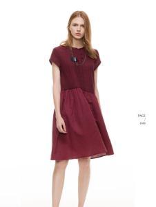 主提酒红时尚连衣裙