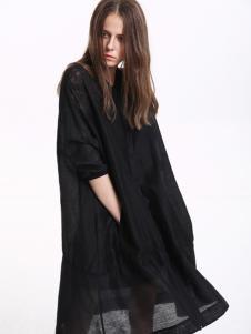 意澳时尚黑色长衫