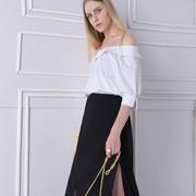 然可时女装时尚搭配分享 春天与小白鞋更配!