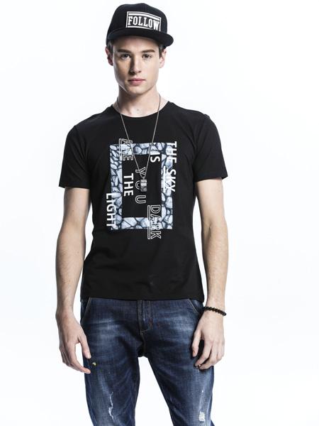 诺奇黑色T恤