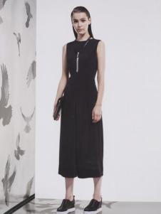 阿莱贝琳女装2017年新品黑色无袖长裙
