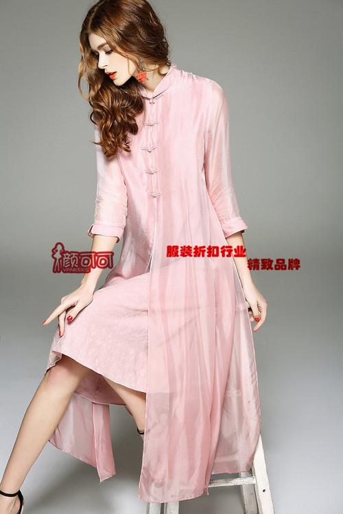 维多利亚品牌女装折扣货源哪家好找颜可可服饰免费加盟