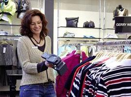 """服装行业正面对怎样的消费者?如何重塑""""地心引力"""""""