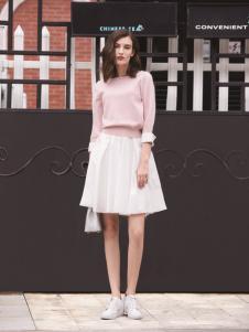 迪笛欧女装在2017年新款粉色T恤