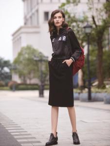 迪笛欧女装在2017年新款黑色包臀裙