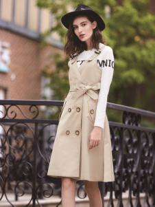 迪笛欧女装在2017年春夏新款米色大衣