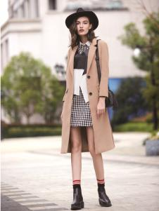 迪笛欧女装在2017年新款米色风衣