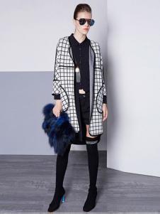 TOUCH塔吉女装格纹廓形外套