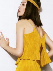 AT.PINK.CO女装姜黄色套装