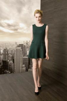 鑫美女装新品绿色无袖连衣裙