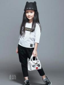 辛芭狗女童白色T恤