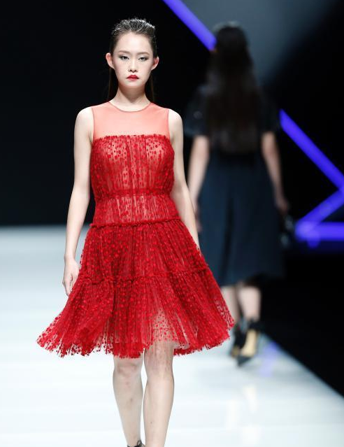 中国时装设计师创意大奖2017秋冬系列在京发布会