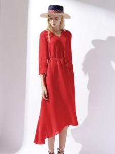 迪斯廷凯红色时尚连衣裙