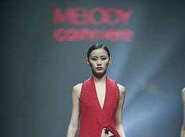 设计师CareyXu携羊绒时装品牌亮相中国国际时装周