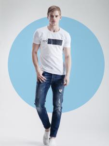 它钴新款白T恤