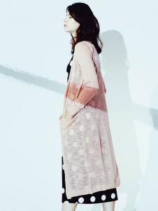序言女装粉色针织衫
