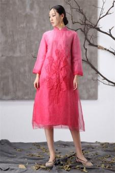 阅爱女装定制新品立领连衣裙