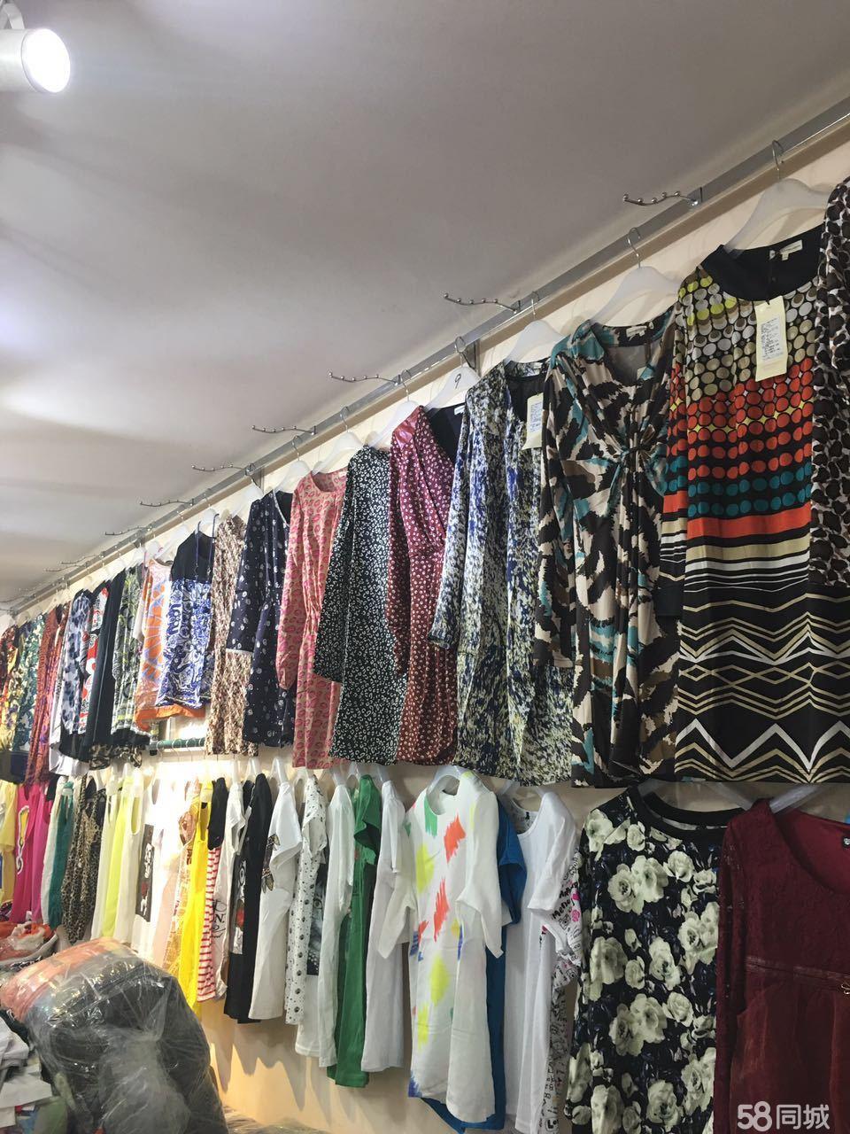 外贸尾货服装批发,夏装全面上市,价位地,东西好,数量多,品种多 ,适合甩货 赶集摆???地摊批发等等