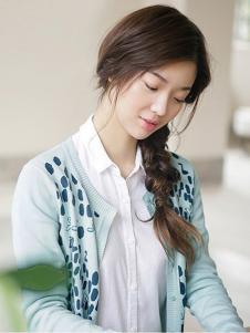 茵曼2017春夏新品简约白衬衫