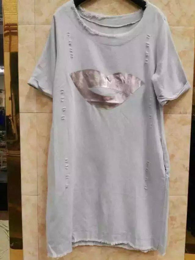 大量現貨供應男女薄厚款T恤連衣裙供應