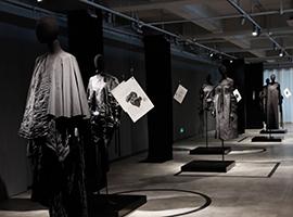 布料能扮演什么角色?这场展览赋予布料崭新生命形态