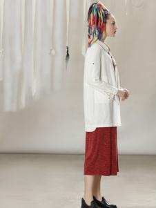 约布时尚白色外套