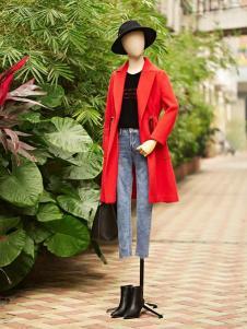 速品春季红色长款风衣