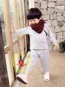 世纪童话折扣童装纯色套装