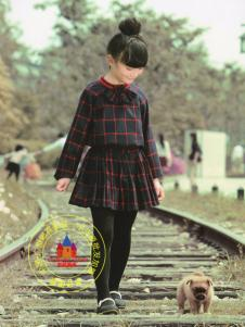 世纪童话折扣童装格纹套装