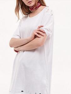 布莎卡白色时尚连衣裙