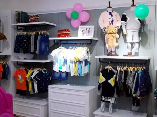 卓维乐品牌童装店