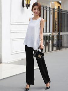 着秀女装新品无袖白色T恤