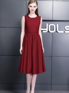 依然秀17夏时尚新酒红连衣裙