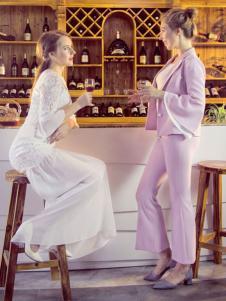 图案女装2017春夏新品粉色套装