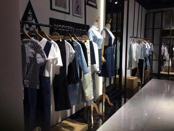 WSM女装专卖店品牌旗舰店店面