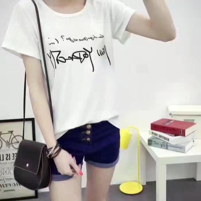 廠家直銷T恤3元起裙子短褲清倉處理