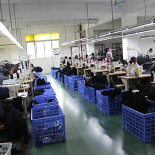 广东羽绒服厂家贴牌加工生产