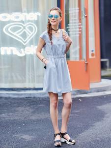 阿莱贝琳2017新款V领收腰连衣裙